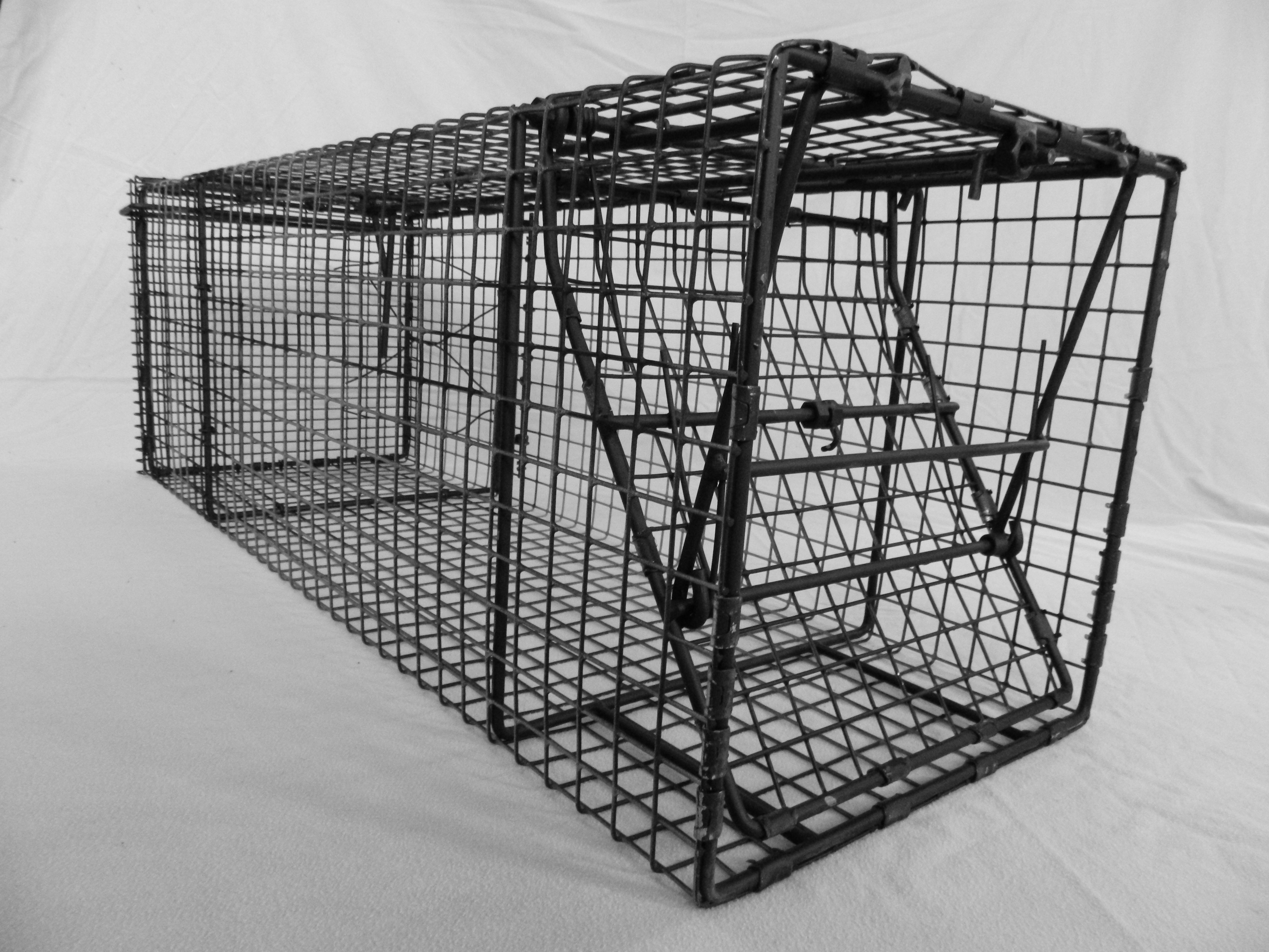 Home / 12x12 / Comstock Wire Triggered (Pan-less) Single Door Trap & Comstock Wire Triggered (Pan-less) Single Door Trap - Comstock ...